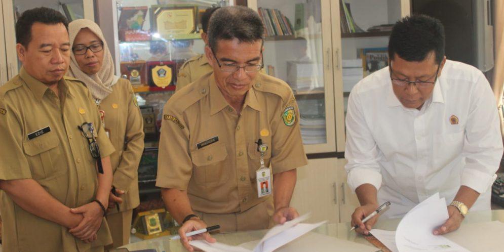 Penandatanganan MOU antara BPPRD Kota Palangka Raya dengan Kantor Petanahan Kota Palangka Raya